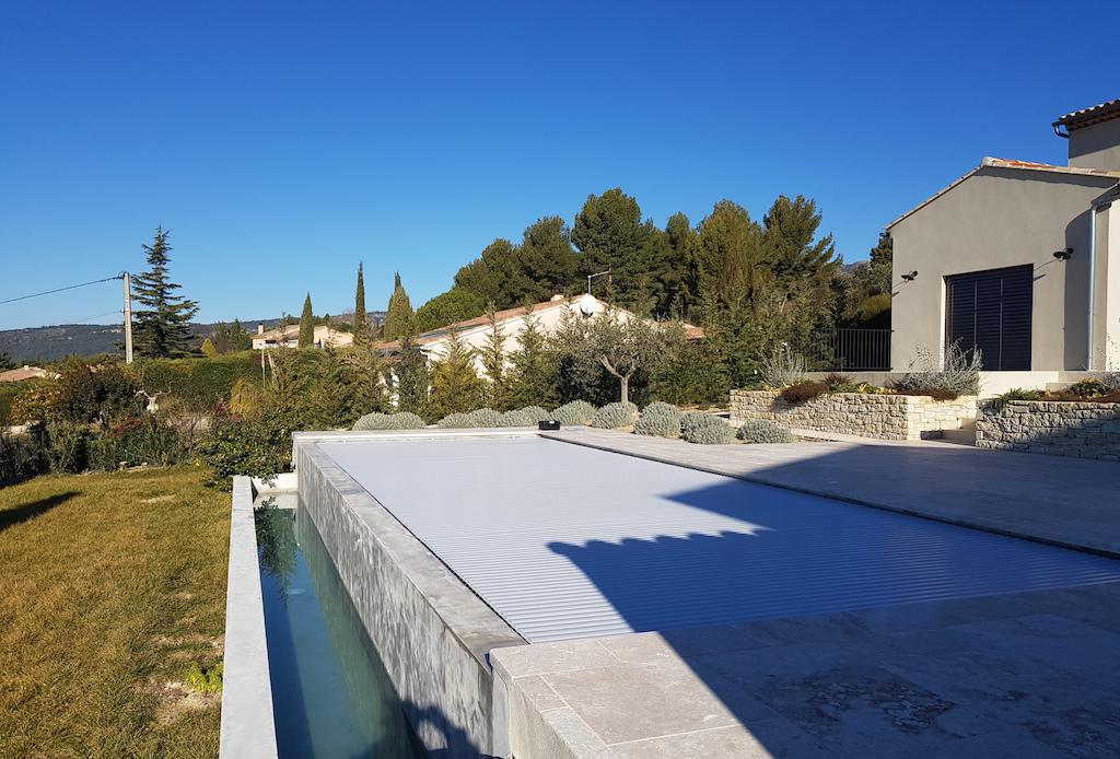 renovation-piscine-debordement